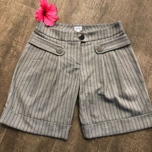 Cache size 2 tweed printed gray shorts